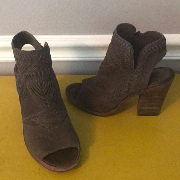 Vince Camuto scarpe   Great Cond Karinta  Charcoal Gris 55  Karinta  Poshmark 828cab